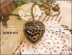 Stylish Pendant (JEWP-071)